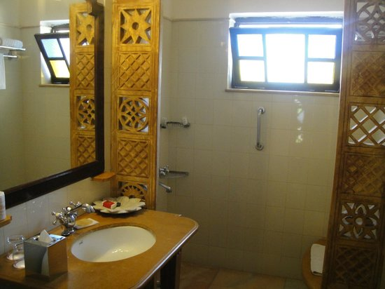 gateway-hotel-rawalkot